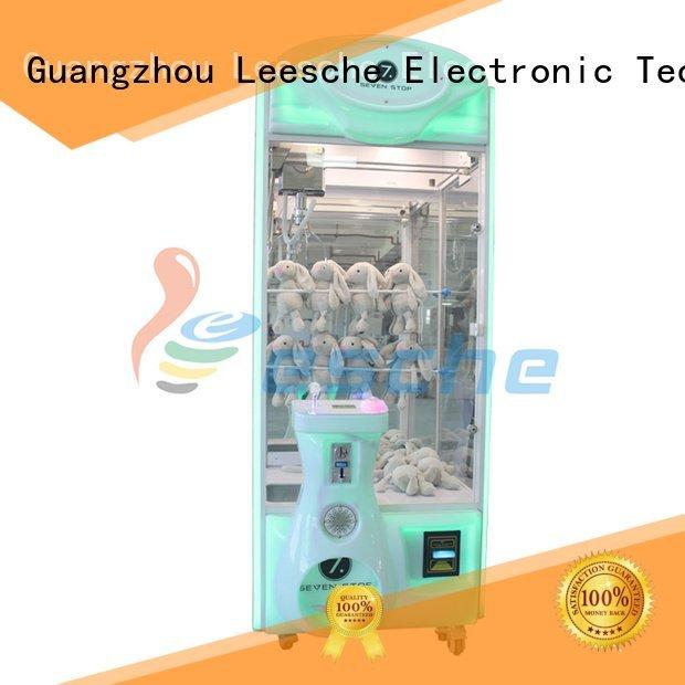Quality claw arcade game Leesche Brand crane the claw machine
