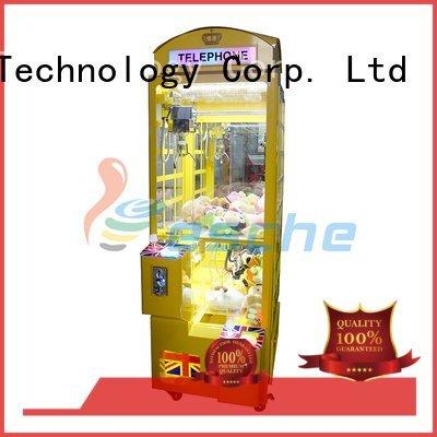 attractive sale machines claw arcade game Leesche