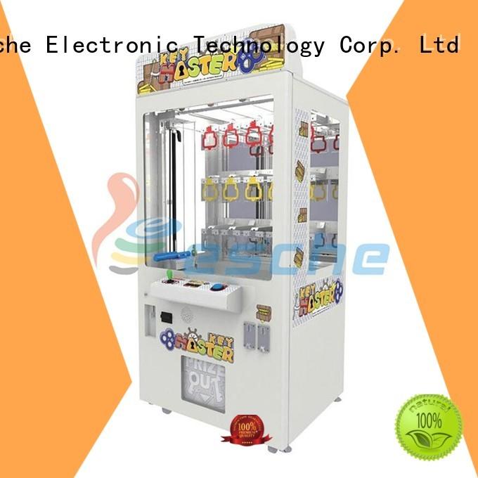 claw arcade game battle Leesche Brand the claw machine